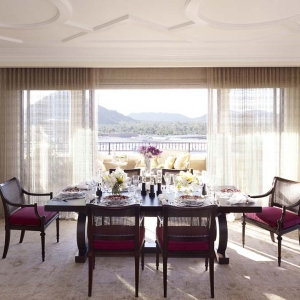 penthouse_dining1